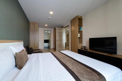 Ten Ekamai Suites by Aspira photo 19