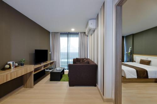 Ten Ekamai Suites by Aspira photo 21