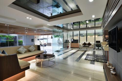 Ten Ekamai Suites by Aspira photo 27