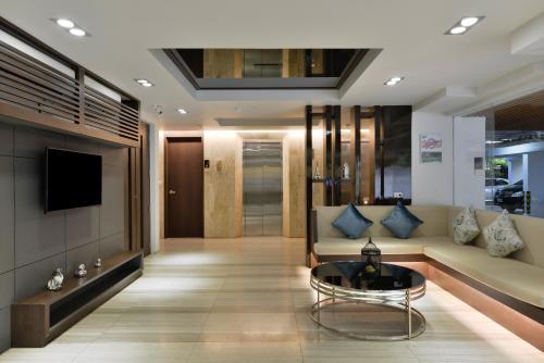 Ten Ekamai Suites by Aspira photo 28