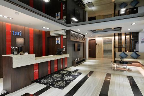 Ten Ekamai Suites by Aspira photo 29