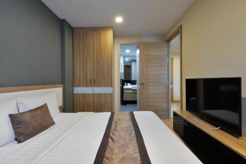 Ten Ekamai Suites by Aspira photo 30