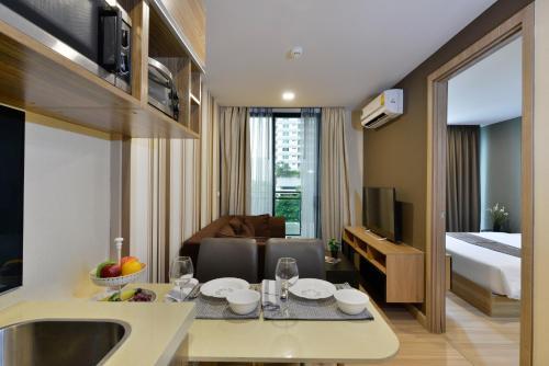 Ten Ekamai Suites by Aspira photo 33