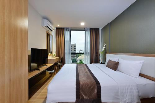 Ten Ekamai Suites by Aspira photo 44
