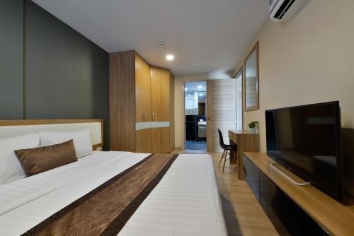 Ten Ekamai Suites by Aspira photo 58