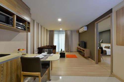 Ten Ekamai Suites by Aspira photo 62