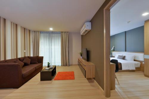 Ten Ekamai Suites by Aspira photo 64