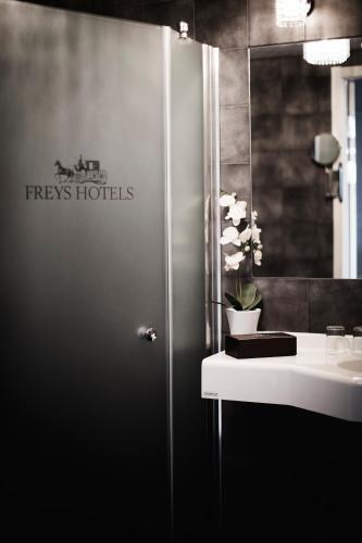 Freys Hotel photo 53