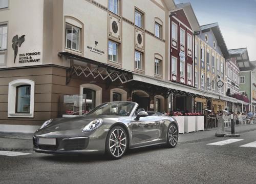 . Iris Porsche Hotel & Restaurant