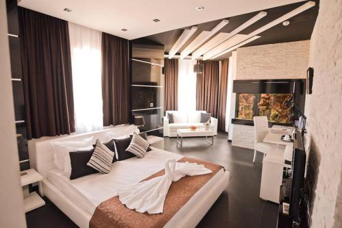 __{offers.Best_flights}__ Sokoterme Hotel