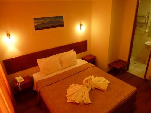 HotelHostal Qoyllurwasi