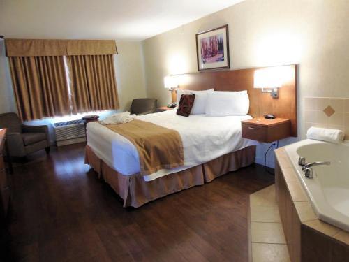 Rosslyn Inn & Suites - Edmonton, AB T5E 4E2