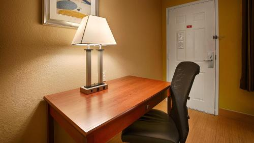 Best Western Village Inn - Fresno, CA CA 93703