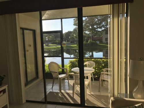 . Superb Apartment in Florida & very close to IMG
