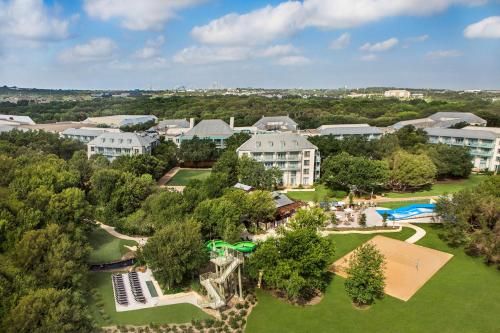 Best Kid-friendly Resorts & Hotels near Texas | Trekaroo