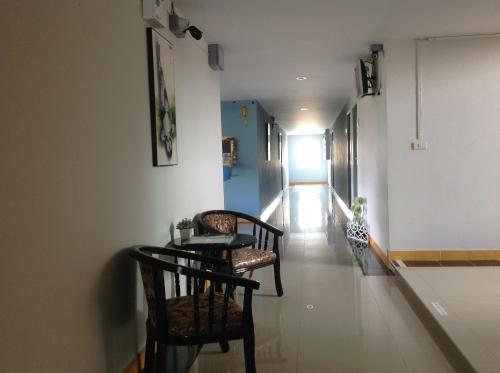 Siri Sothorn Apartment photo 5