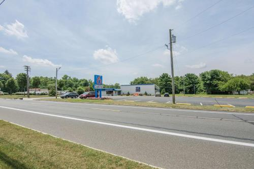 Motel 6 Glassboro Rowan University - Glassboro, NJ 08028