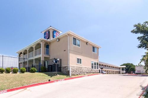 Motel 6 Azle