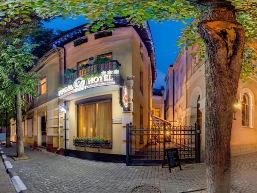 . Pid Templem Hotel