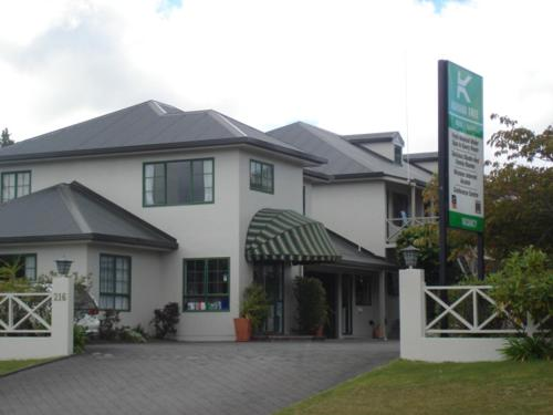 Karaka Tree Motel - Accommodation - Taupo