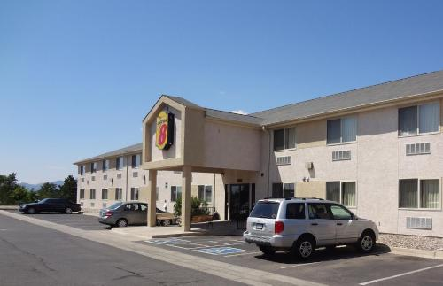 Super 8 By Wyndham Colorado Springs Airport - Colorado Springs, CO 80916