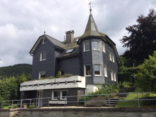. Villa Silbach