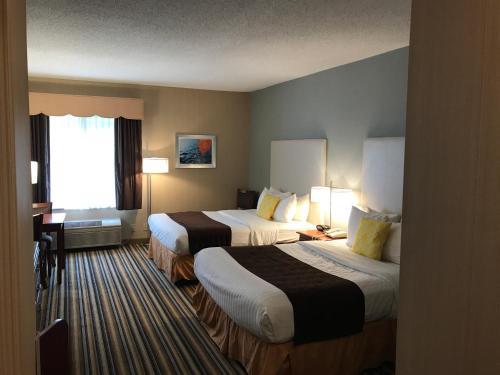 Best Western Plus New England Inn & Suites - Berlin, CT CT 06037