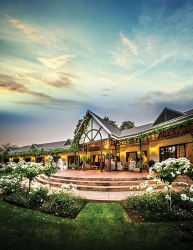 . Hlangana Lodge
