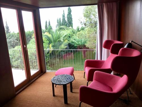 Double or Twin Room with View - single occupancy Mont-Sant 29