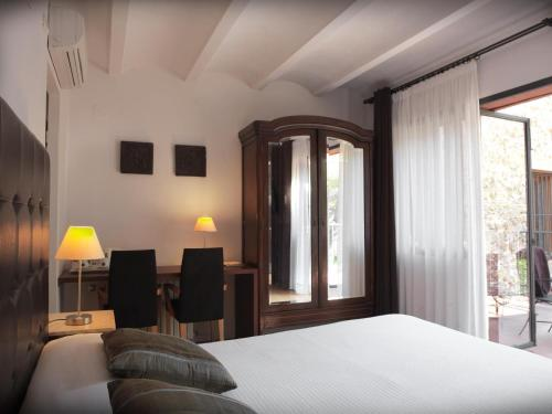 Habitación Doble con vistas - 1 o 2 camas - Uso individual Mont-Sant 11