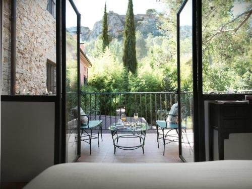 Double or Twin Room with View - single occupancy Mont-Sant 23