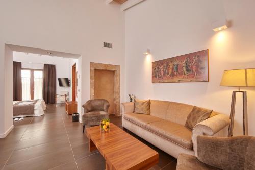 Suite Bennoc Petit Hotel 7