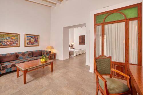 Suite Bennoc Petit Hotel 19