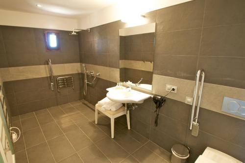 Standard Doppelzimmer Bennoc Petit Hotel 7