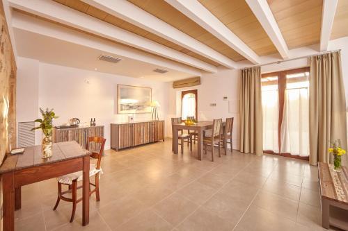 Suite Bennoc Petit Hotel 1