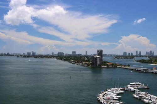 Breathtaking Views - Miami, FL 33132