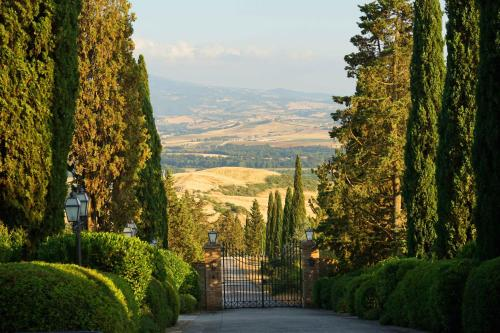 Castello di Poggio alle Mura, 53024 Montalcino SI, Italy.