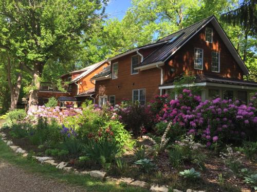 Goldberry Woods B&B and Cottages - Accommodation - Union Pier