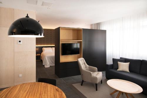 Suite Suites 1478 8