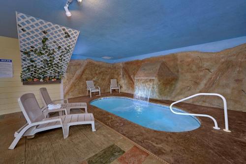 Pool Time Paradise - Apartment - Cartertown