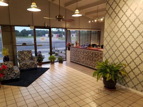 Western Inn - Pensacola - Pensacola, FL 32506