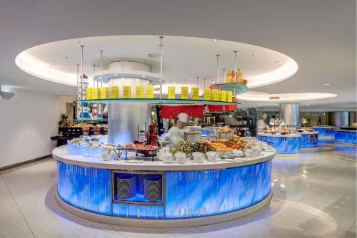 Regal Airport Hotel photo 91