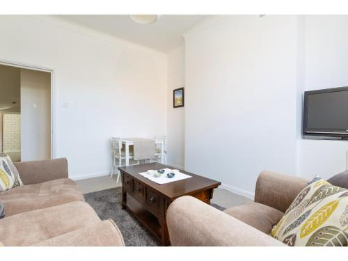 Attractive 2bedroom Flat in Trendy London Sleeps 4 photo 4