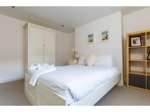 Attractive 2bedroom Flat in Trendy London Sleeps 4 photo 11