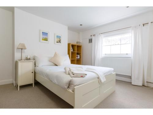 Attractive 2bedroom Flat in Trendy London Sleeps 4 photo 13
