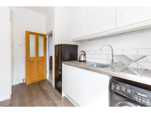 Attractive 2bedroom Flat in Trendy London Sleeps 4 photo 15