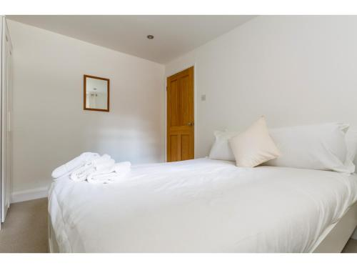 Attractive 2bedroom Flat in Trendy London Sleeps 4 photo 17