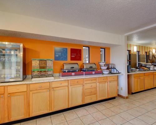 Фото отеля Western Inn and Suites