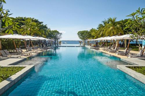 Crimson Resort & Spa - Mactan Island, Cebu