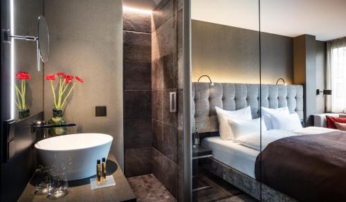 SAKS Urban Design Hotel Frankfurt photo 21